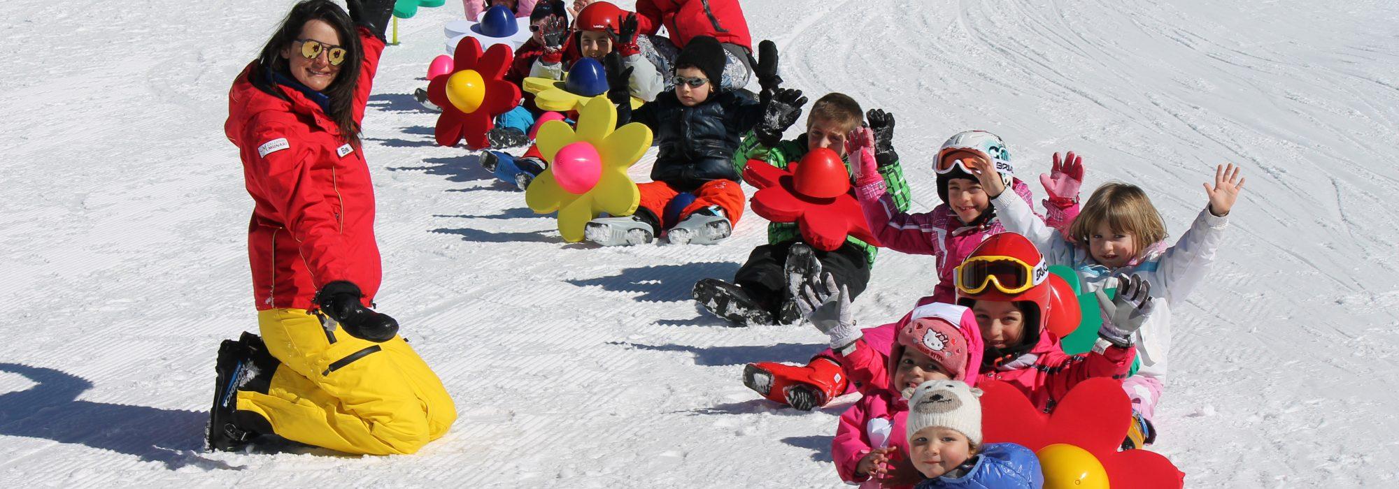 Bambini sulla Neve con la maestra Elena