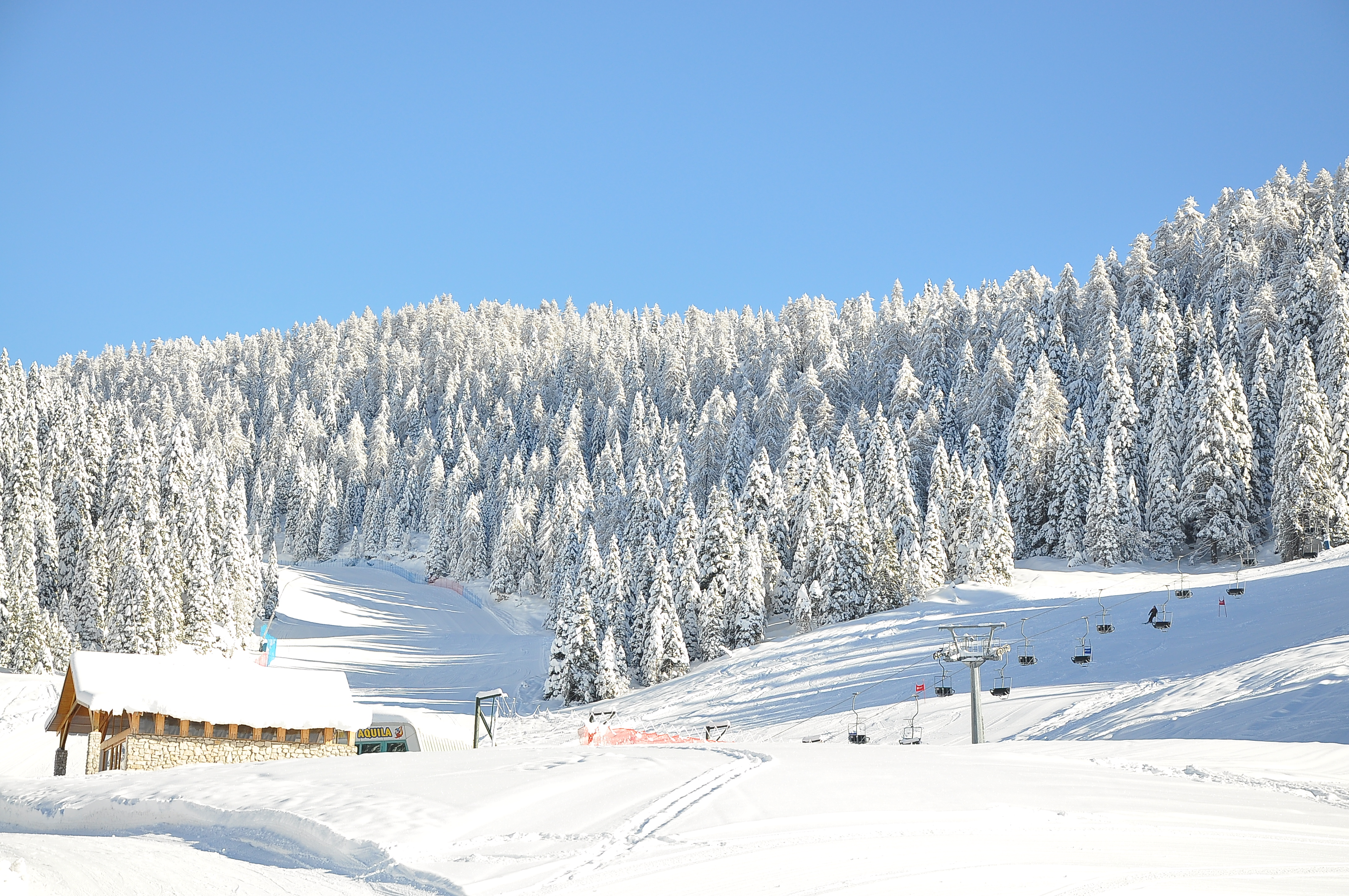 Sciare sulle piste del verena 2000 ad asiago for Albergo paradiso asiago