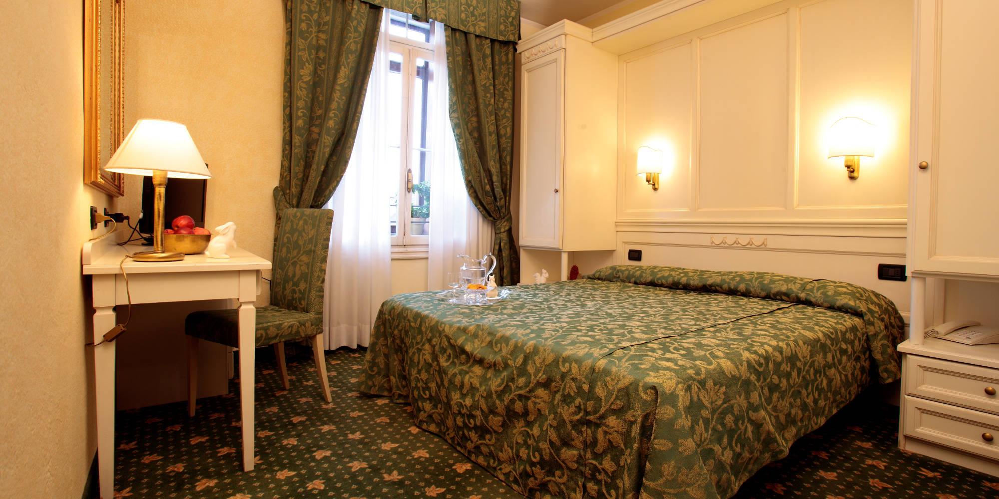 Camera Da Letto Bianca Offerta : Camera da letto matrimoniale croce bianca asiagoneve